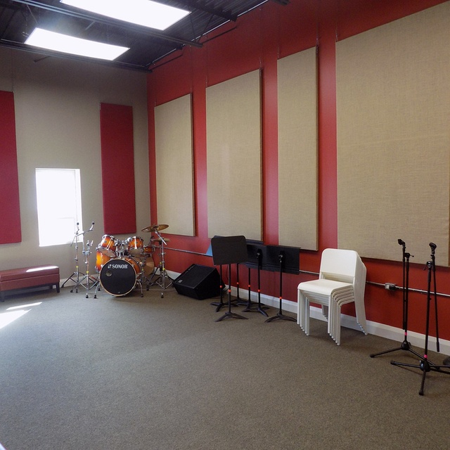 Record Runner Rehearsal Studios