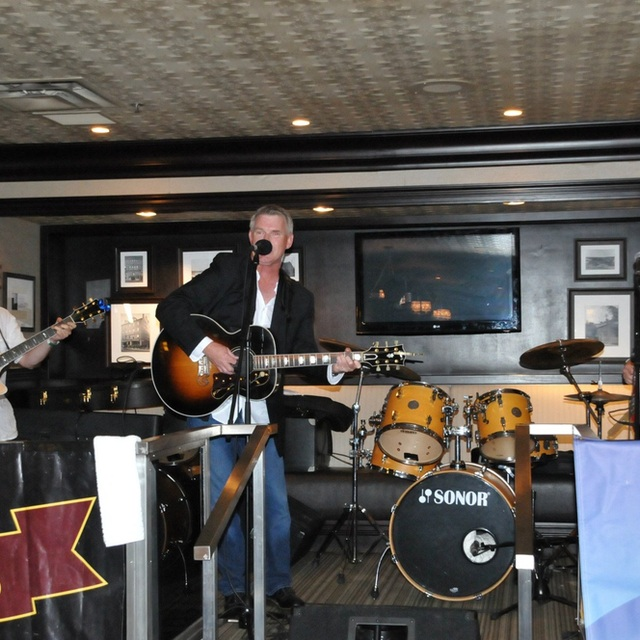 Wally MacKinnon and the Renegades