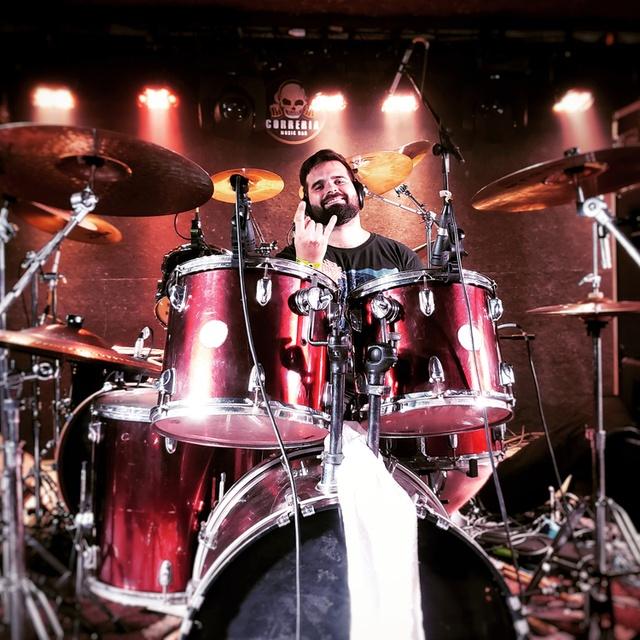 victor_drums