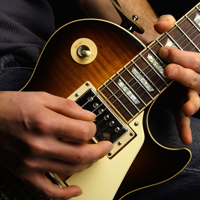 Keegan-Guitar6090